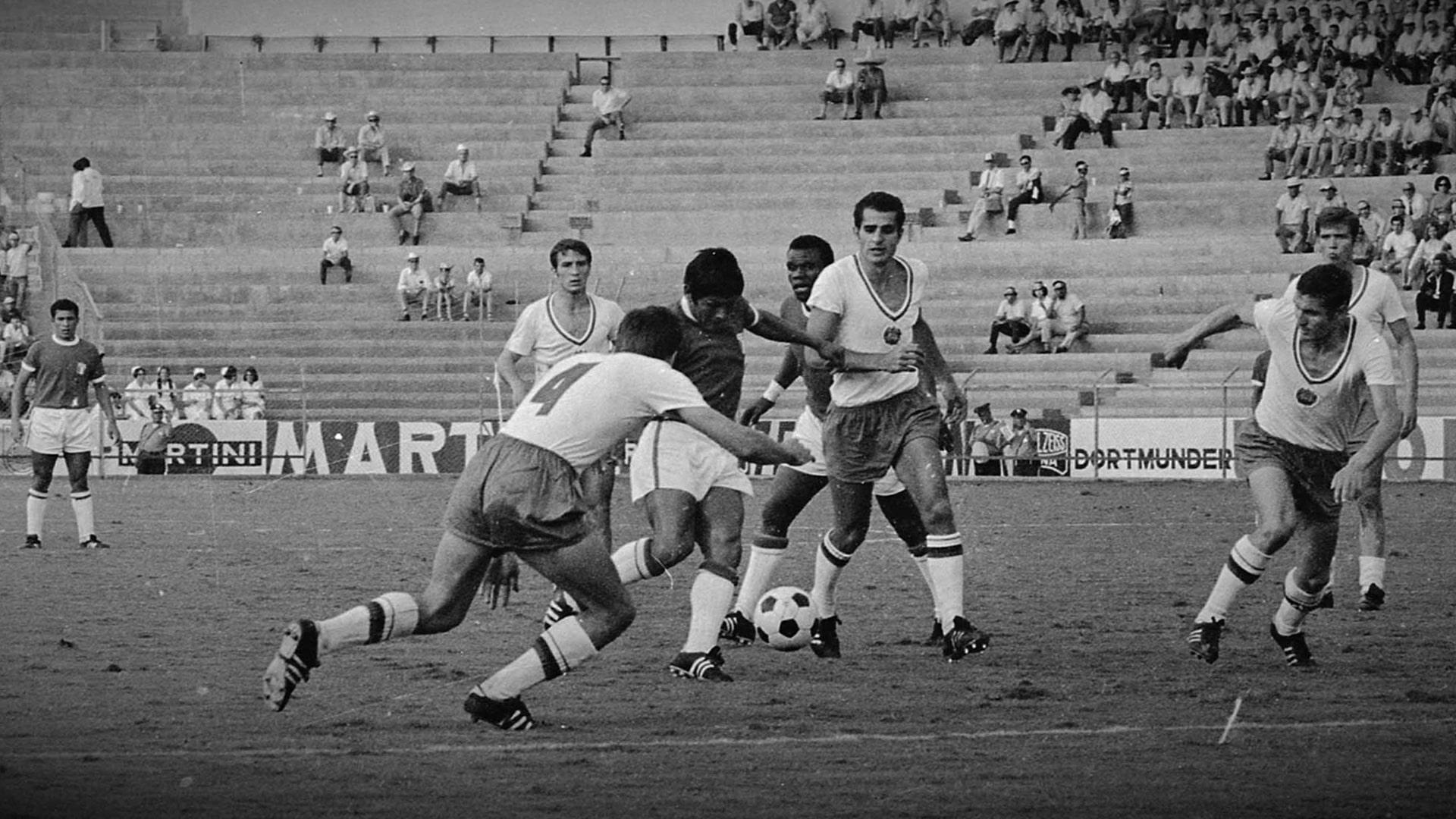Perú vs. Bulgaria en México 70